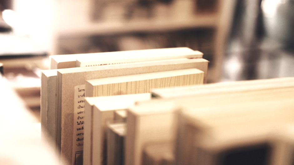 Vintage Bookstore_edited.jpg