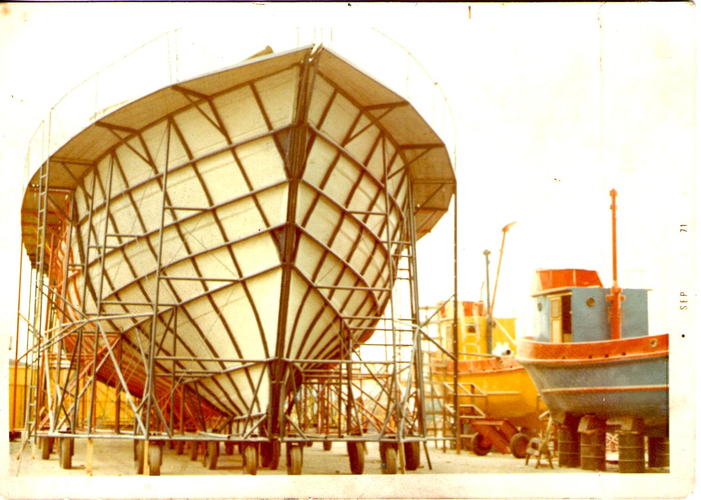 MOLDE DE FIBRA DE VIDRIO - AÑO 1971