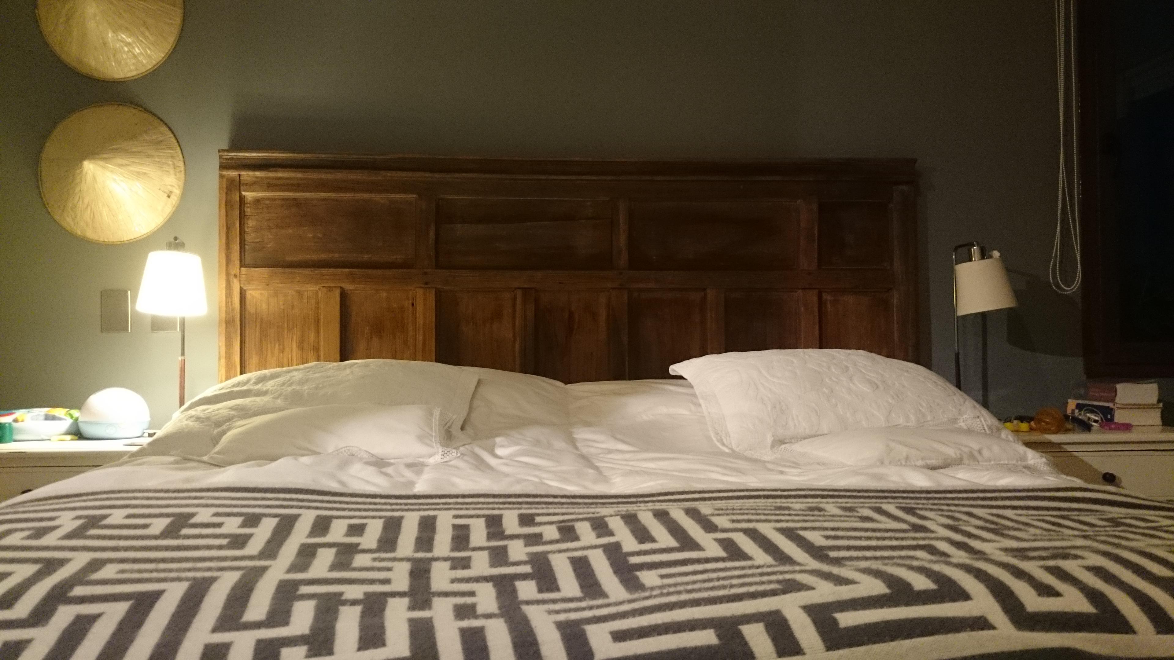 Respaldo de cama / Raulí