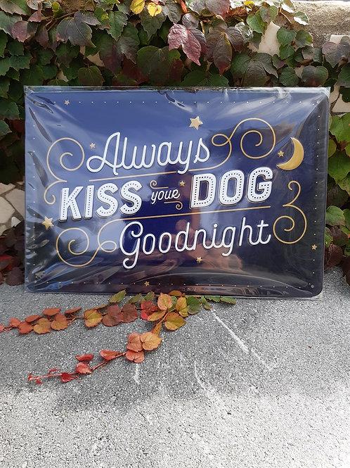"""Nostalgic Art Pfotenschild Design Blechschild """"Kiss your dog"""""""