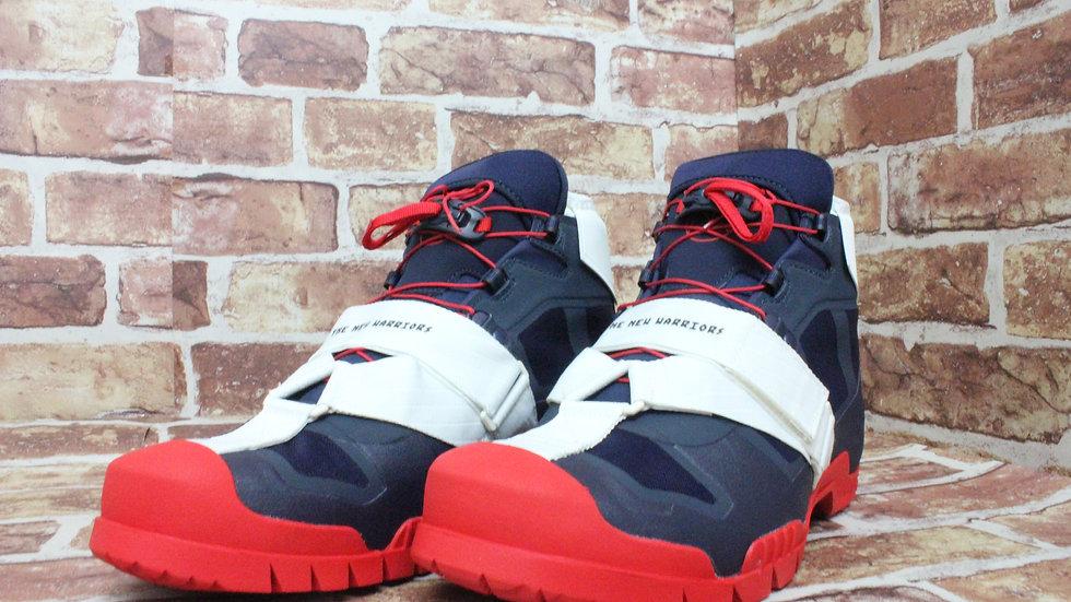 Nike New Warriors SIZE 9