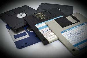 floppy-disk-214975_1280_edited.jpg