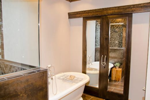 OPTO Cabin - King Suite Bathroom