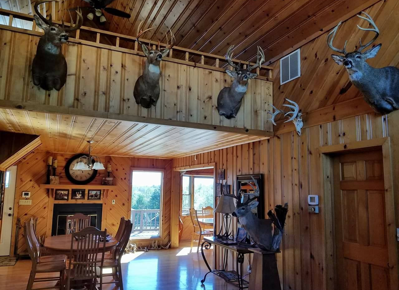 Main Lodge - Dining Area
