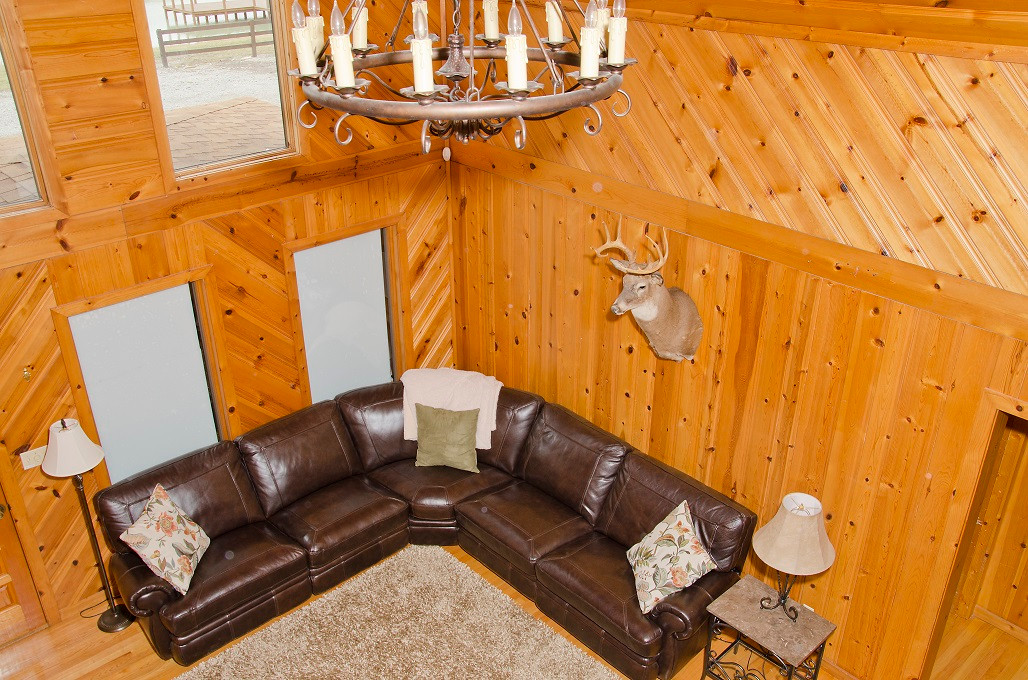 OPTO Main Lodge - Living Room (loft)