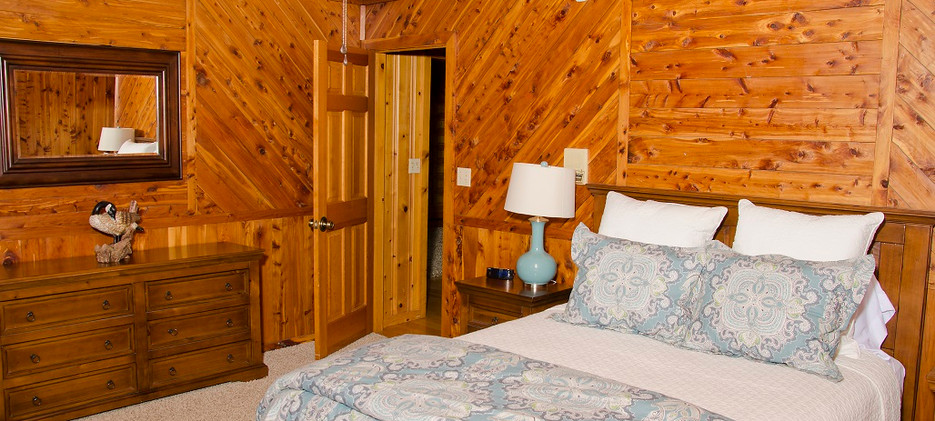 OPTO Main Lodge - First Floor Bedroom 1
