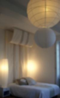 Suite 1 Mansart House, ciel de lit lin greige