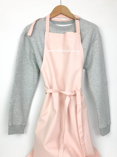 weekending pink apron2.jpg