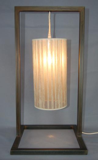 Petite lampe de table Tube