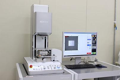 ①硬質材料事業 金型 測定設備 非接触形状測定機_圧縮.jpg