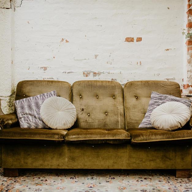 Zelena sofa