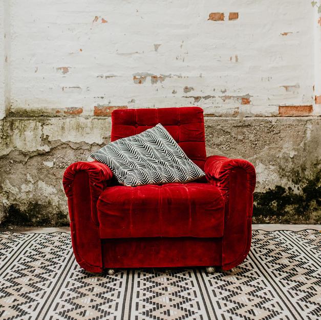 Crvena fotelja