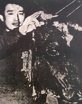 Namjune_Paik_白南準_(b.1937).jpg