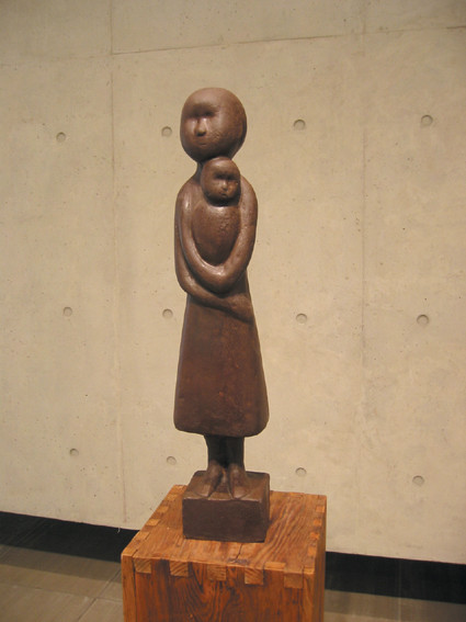 yhl_모정,73x13x13cm,Bronze,1987.jpg