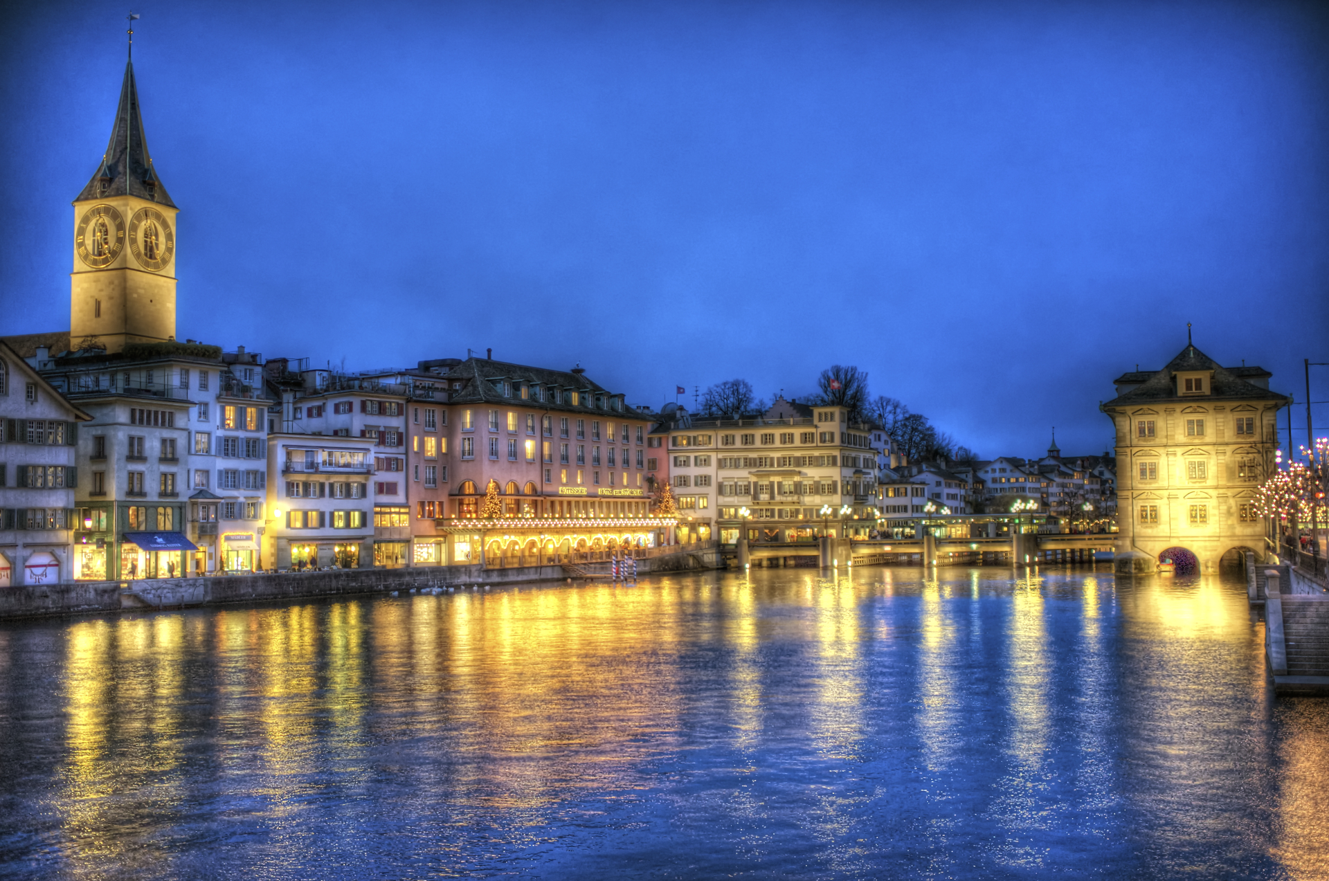 Zurich Heading for XMas (HDR)