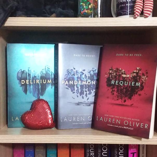 RESENHA: Trilogia Delírio (OLIVER, Lauren)