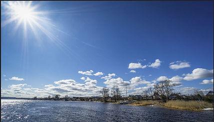 sunny-spring-on-lake.JPG