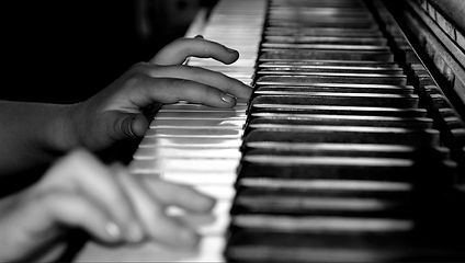 piano-player-child.JPG