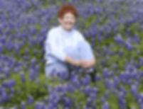 Lizzie-in-bluebonnets-335w.jpg