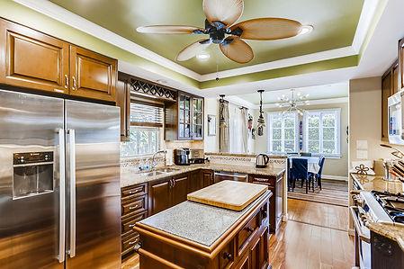 305 Puritan Rd West Palm Beach-large-005-003-Kitchen-1500x1000-72dpi.jpg