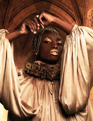 Malvie French Magazine - NOIR Issue