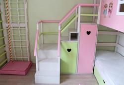 удобная модульная лестница из ЛДСП