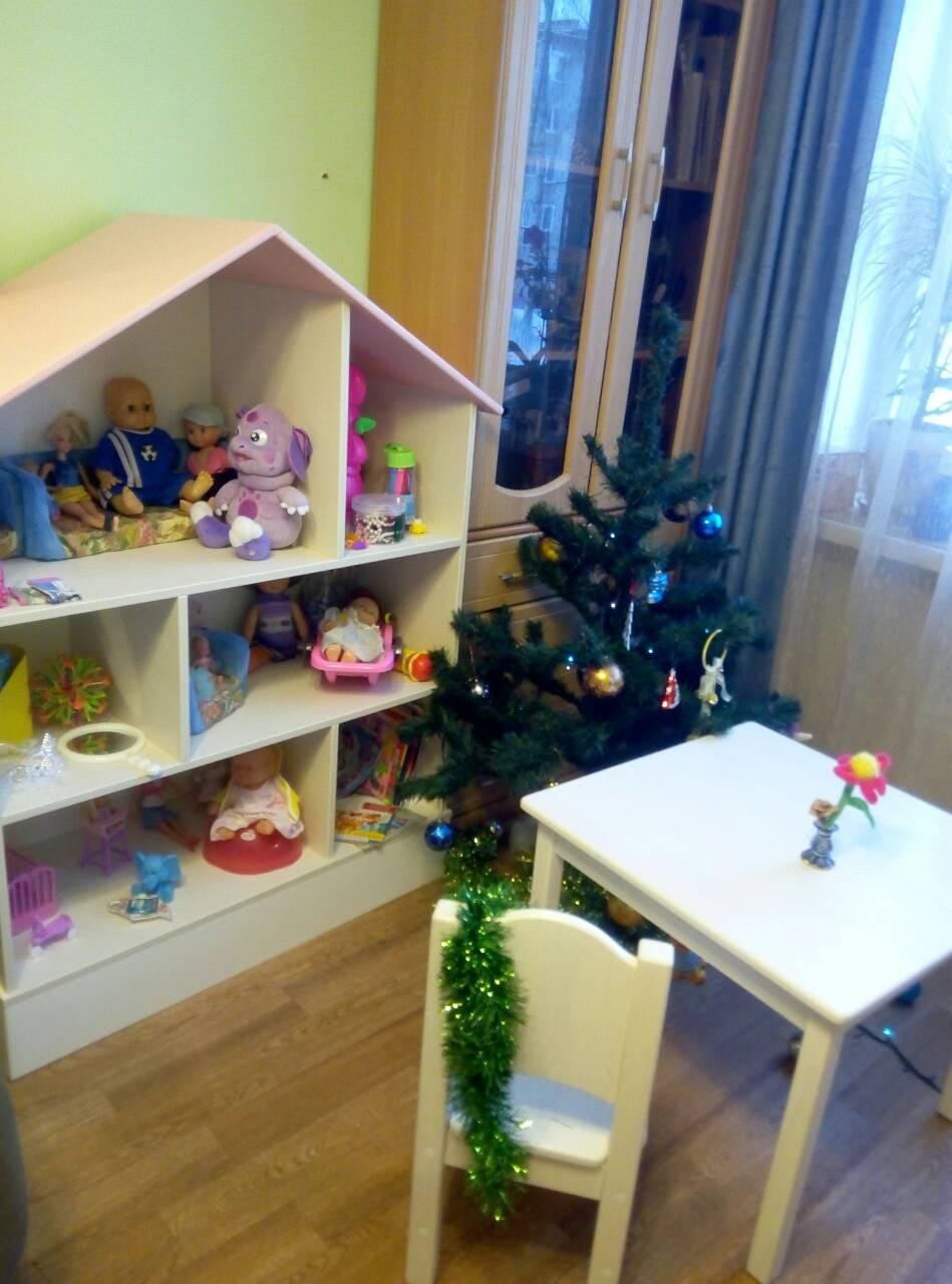 Кукольный домик из ЛДСП столик и стульчик массив