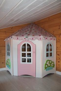 игровой домик с текстильной крышей