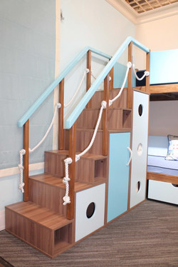 Корпусная мебель из ЛДСП (модульная лестница)