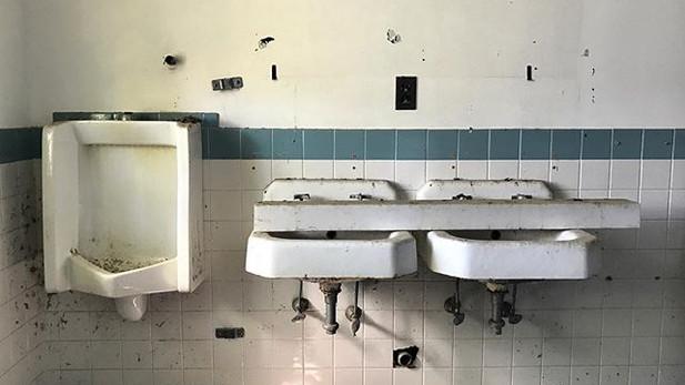 Sinks, 2017