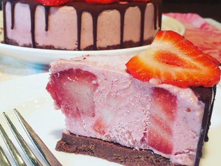 Strawberry N'ice Cream Cake 🍓