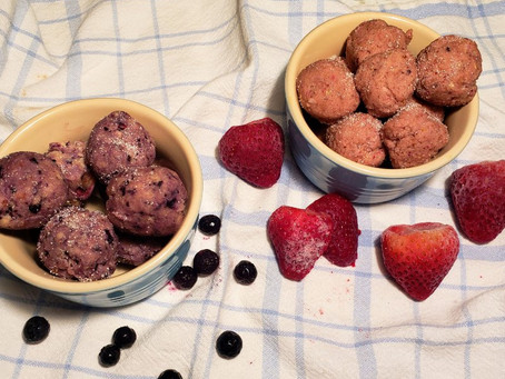 Make It This Weekend: Blueberry or Strawberry Donut Holes