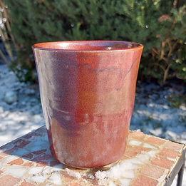 Pot de fleurs rouge