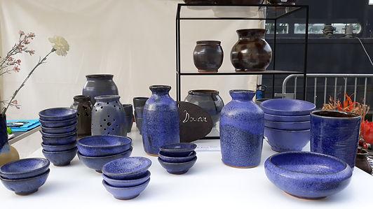 Quelques pièces bleues présentées sur le marché de potiers de Melun
