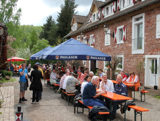 Großes Maifest zur Wiedereröffnung des Biergarten Vogelstockerhof!