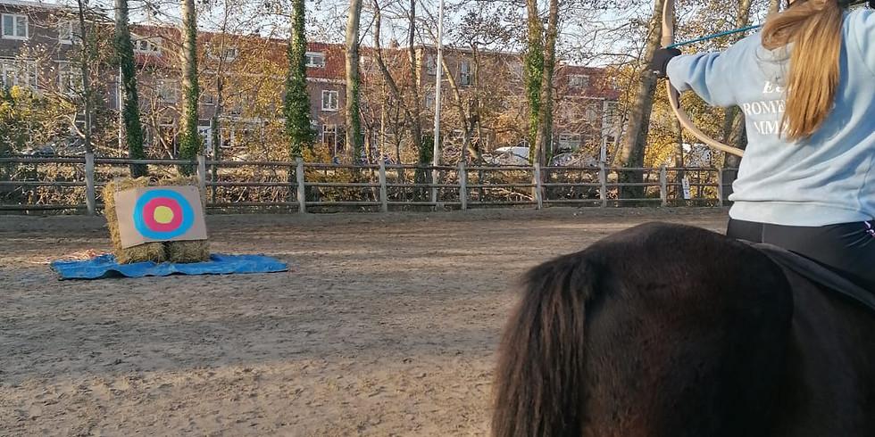 Boogschiet-te-paard-les