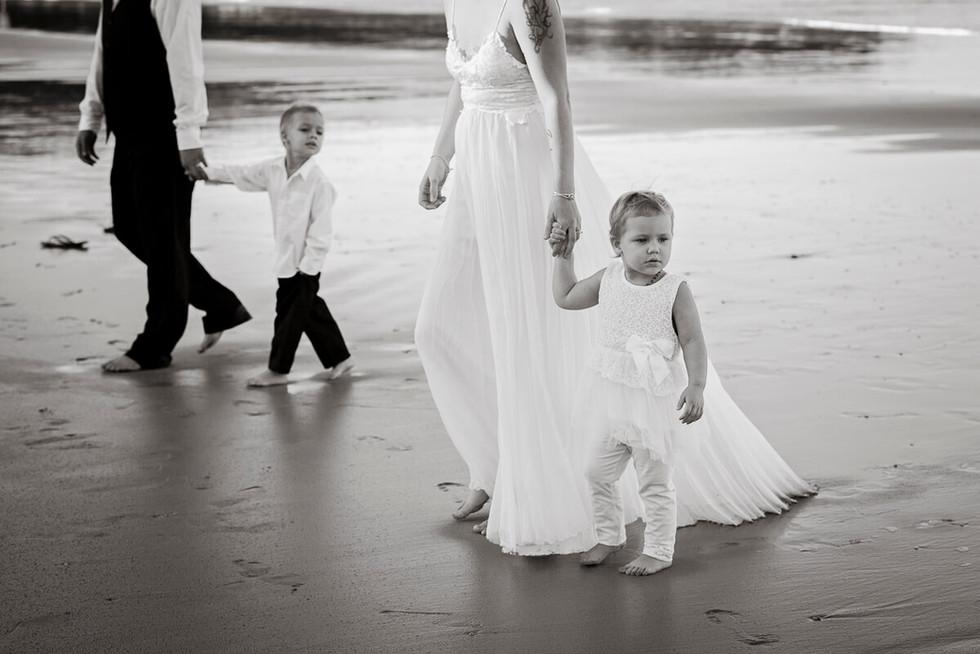 coffs-harbour-wedding-photographer-diggers-beach-sunset-010.jpg
