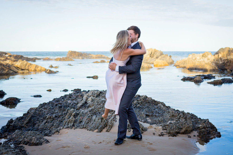 coffs-harbour-wedding-photographer-engagement-session-sawtell-beach-006.jpg