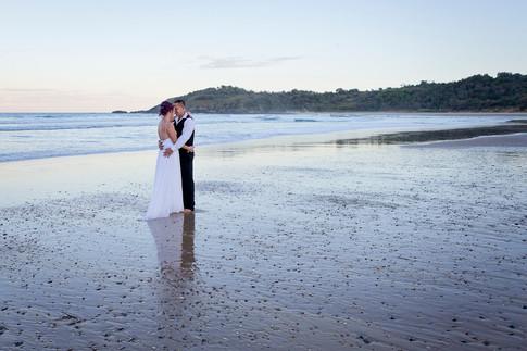 coffs-harbour-wedding-photographer-diggers-beach-sunset-044.jpg