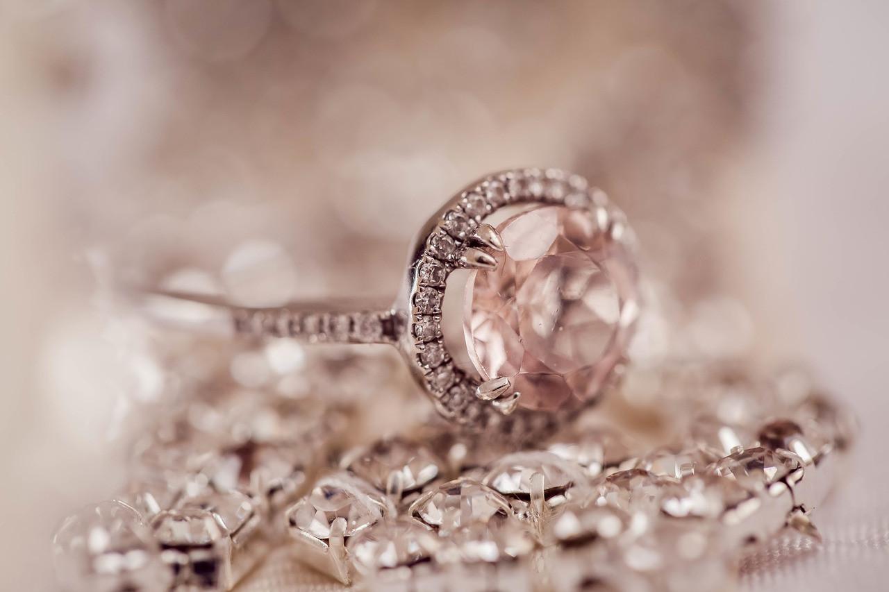 diamond-2594307_1280.jpg