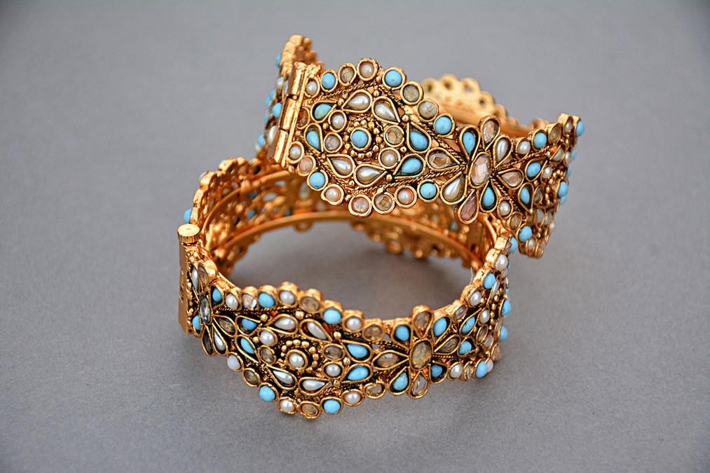 jewellery-1175533_1280.jpg