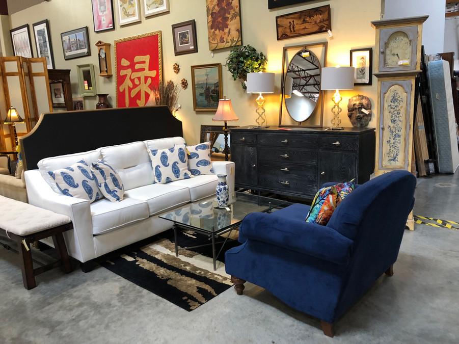 showroom_7.jpg