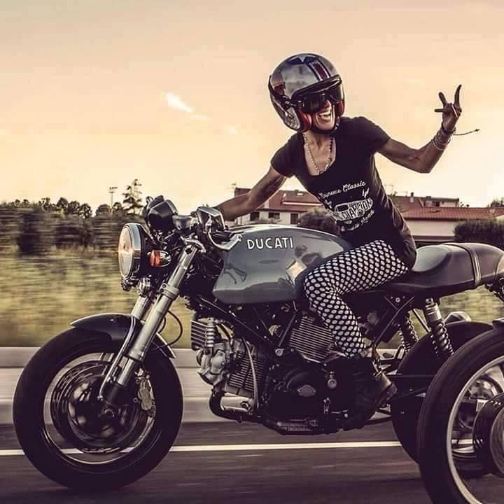 Lady Ducati