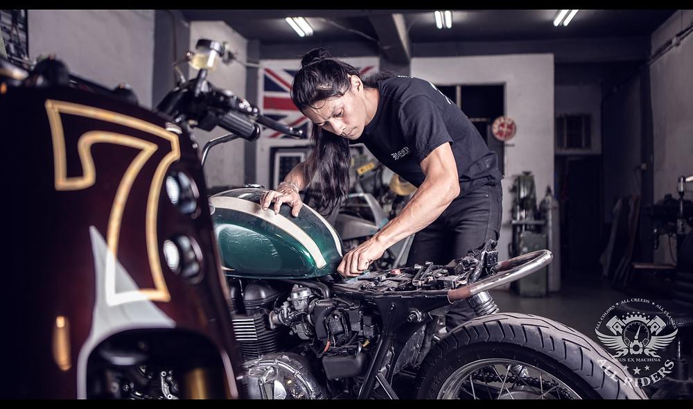 onehandmade custom motorcycles 2