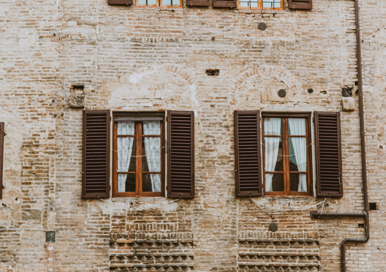 When in Italy - 'Rear Window(s)'