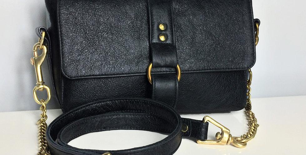Leather chain handbag