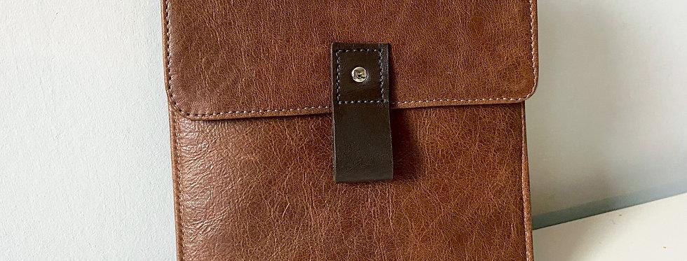 Kindle Oasis- Rustic Brown