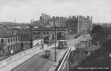 Queen St Bridge and Station Hotel - 1920