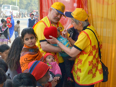 Delhi Camp Vaccinating Teamwork.JPG