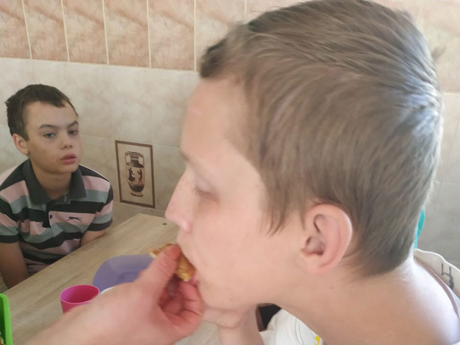 orphan-children-ukraine-09